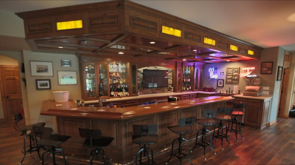 Milwaukee woodwork custom home bars - Bars for the house ...
